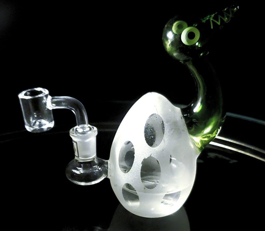 daily high club egg bong quartz